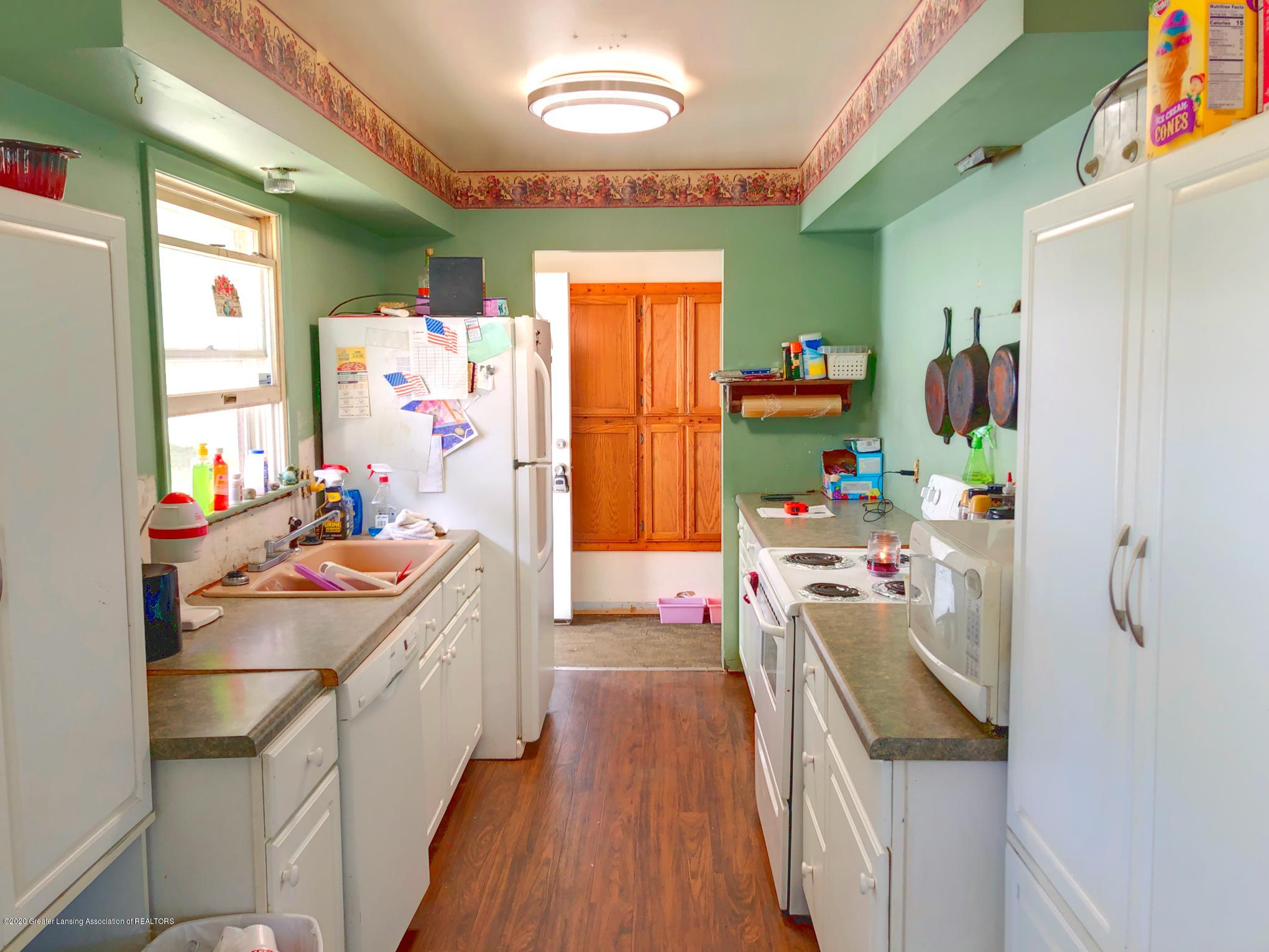 4927 Christiansen Rd - Kitchen - 2