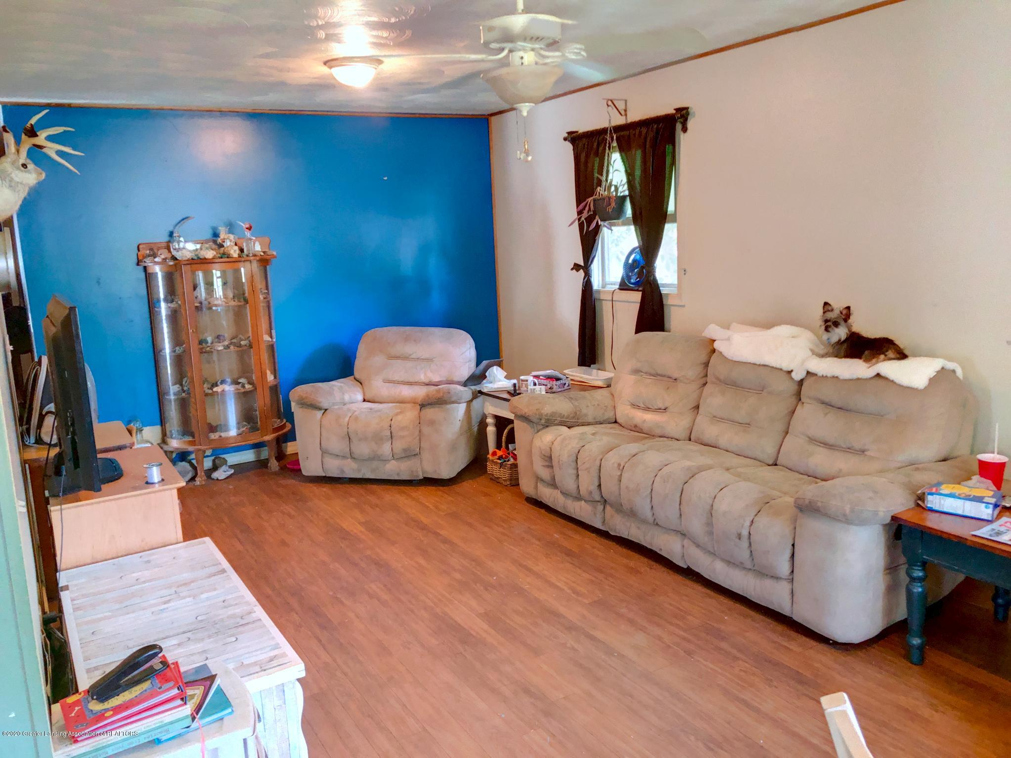 4927 Christiansen Rd - Living Room - 3