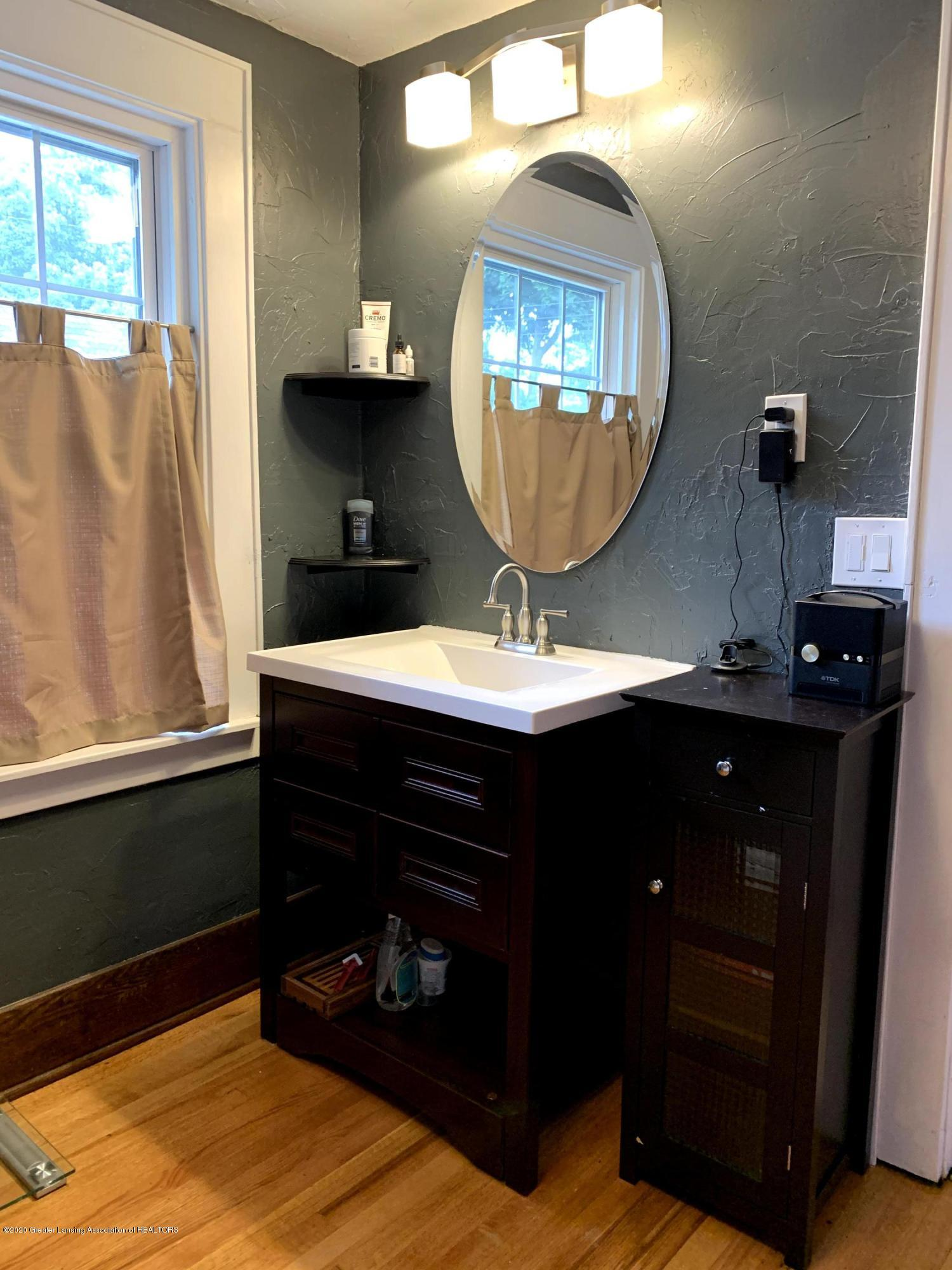 523 N Jenison Ave - Bathroom - 26