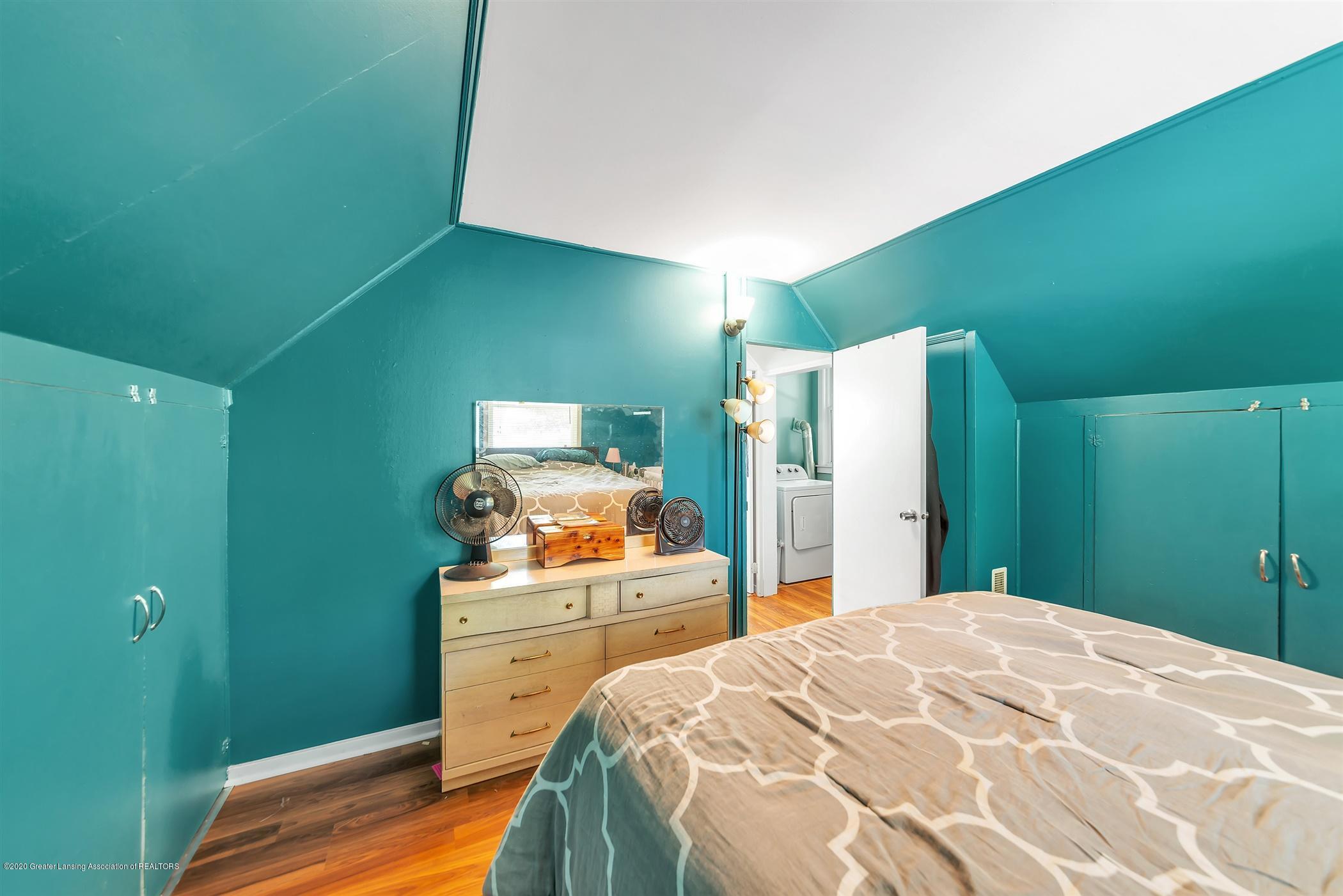 1926 Kilbourn Ave - Upper Level Bedroom - 13