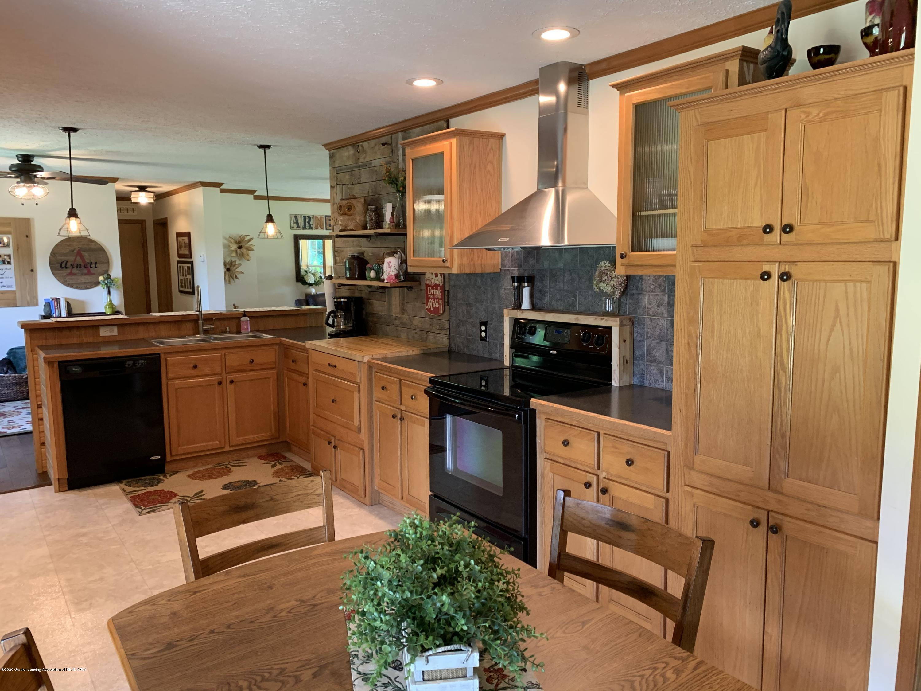 7582 S Gale Rd - Kitchen - 6