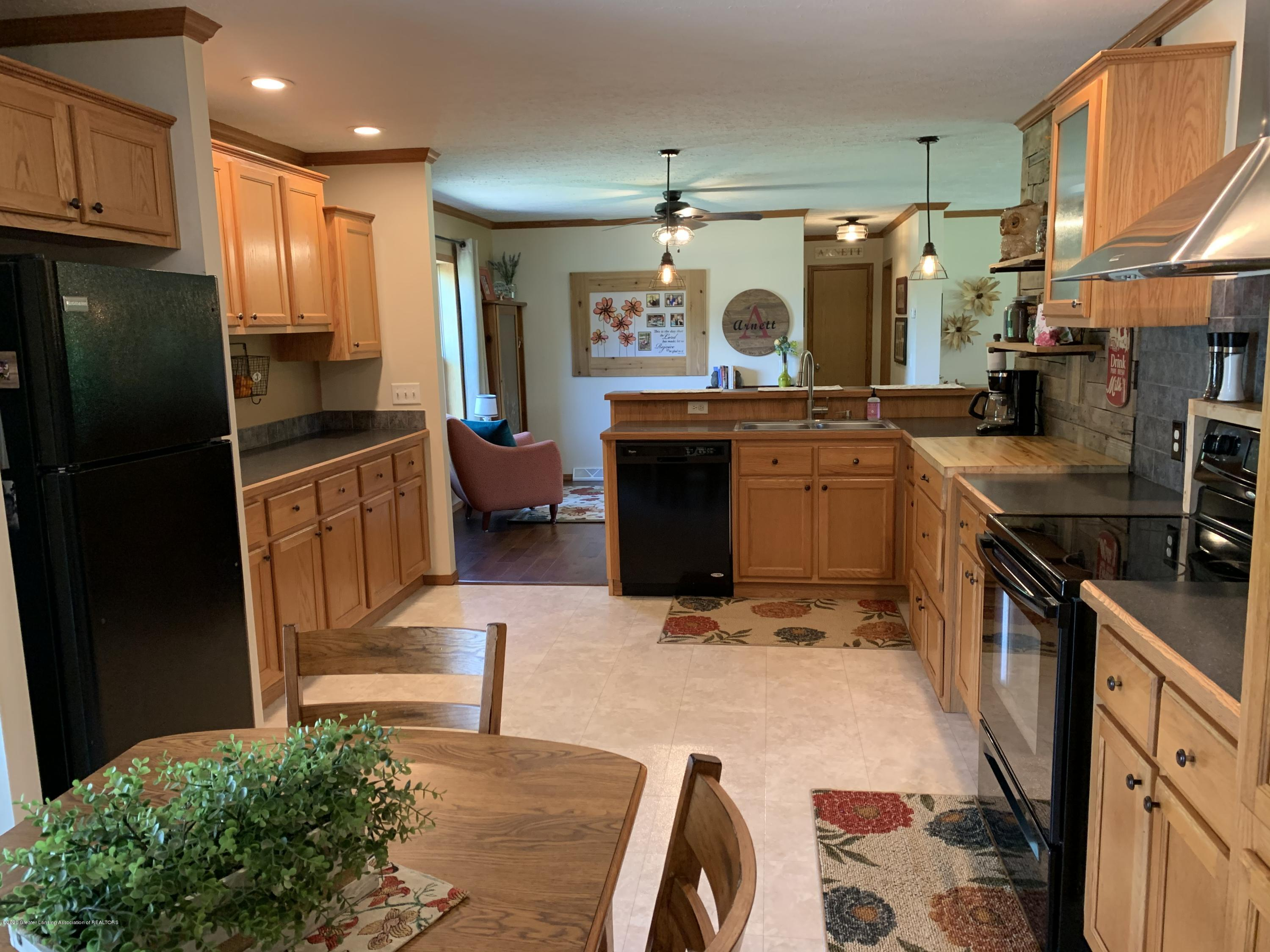 7582 S Gale Rd - Kitchen - 7
