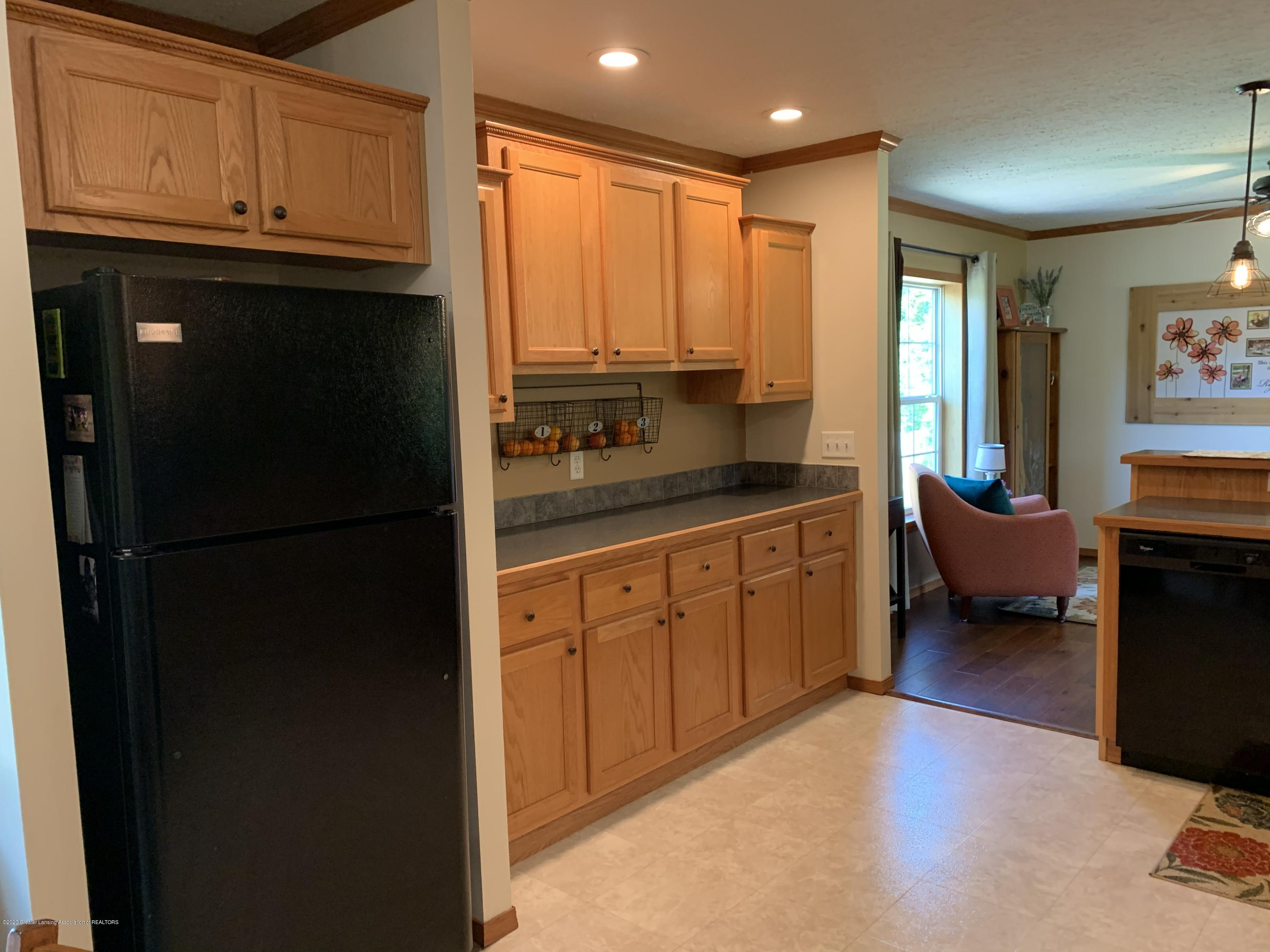 7582 S Gale Rd - Kitchen - 8