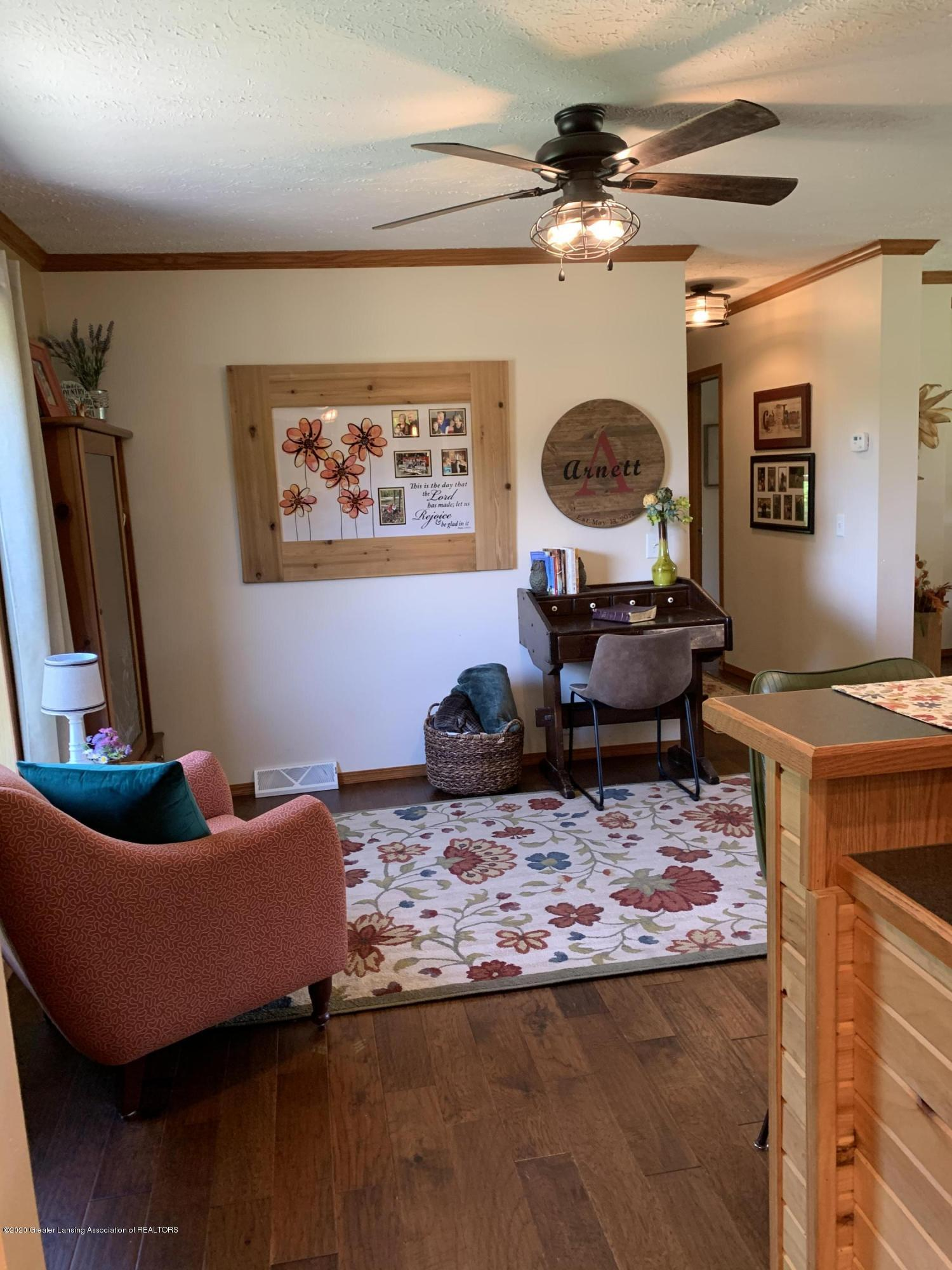 7582 S Gale Rd - Living Room - 16