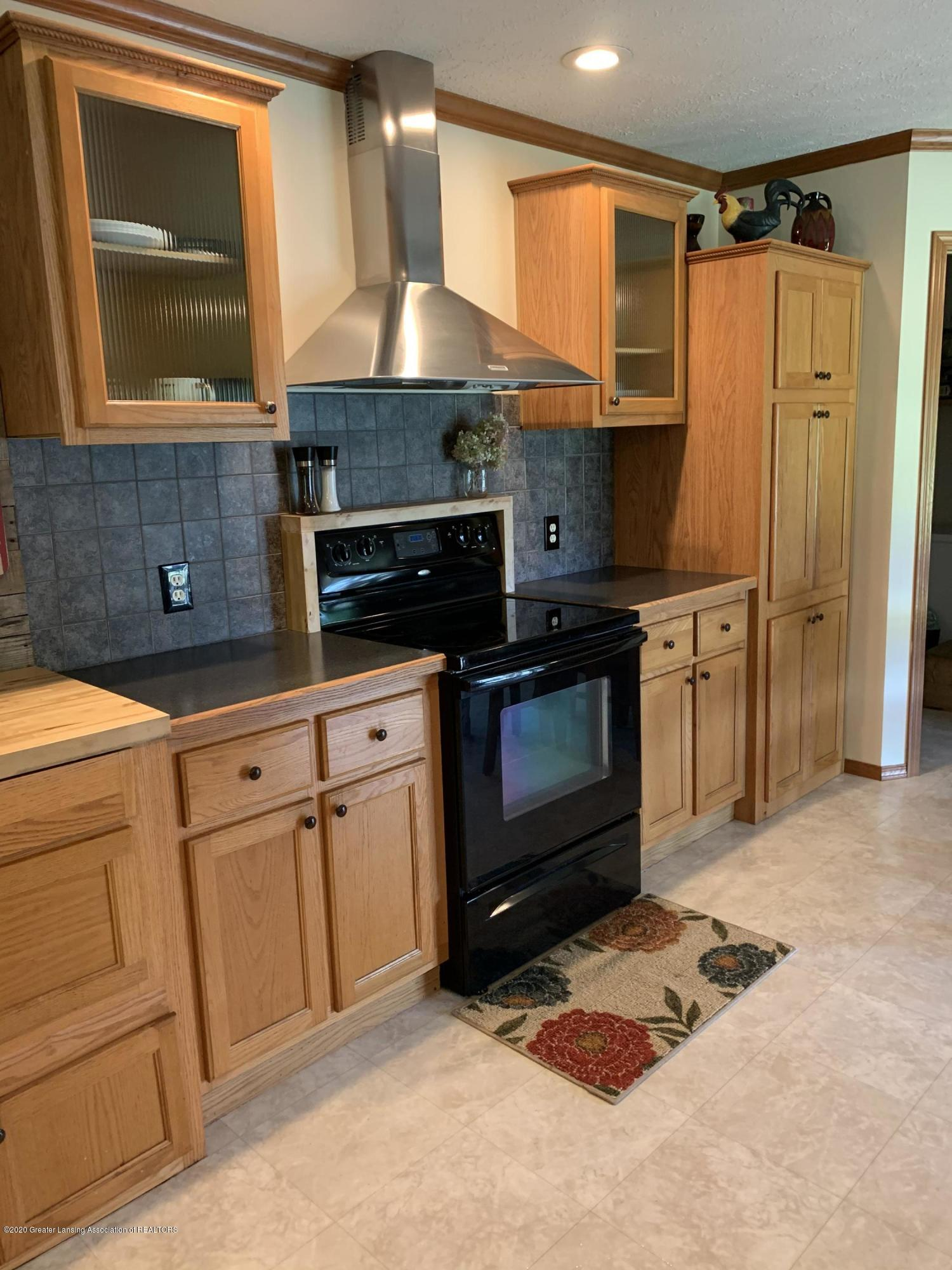 7582 S Gale Rd - Kitchen - 9