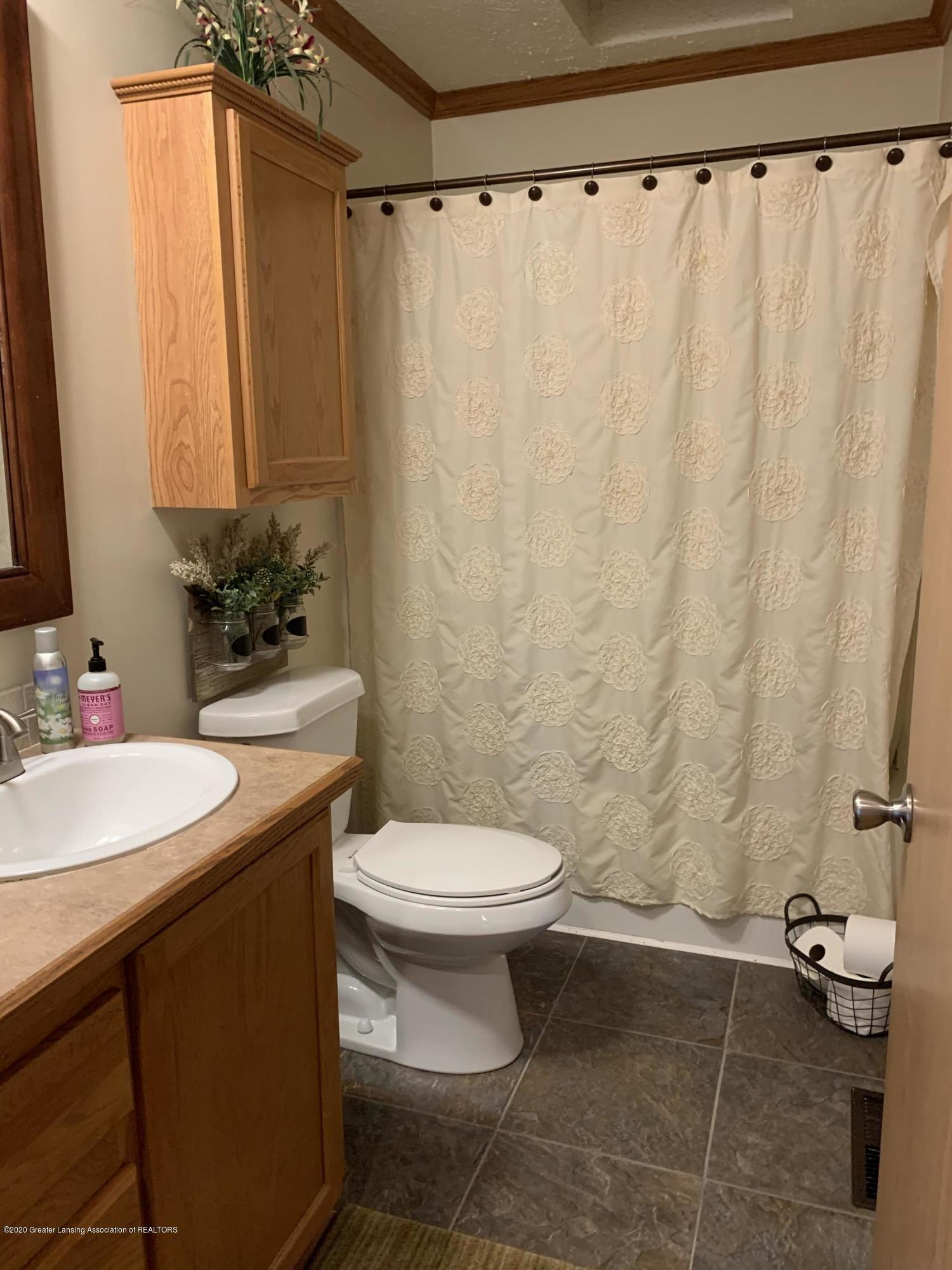 7582 S Gale Rd - Bathroom - 24