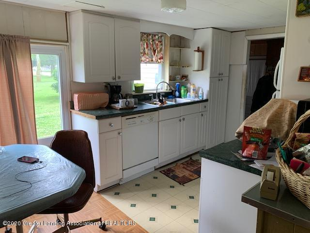 1402 W South St - Kitchen - 3