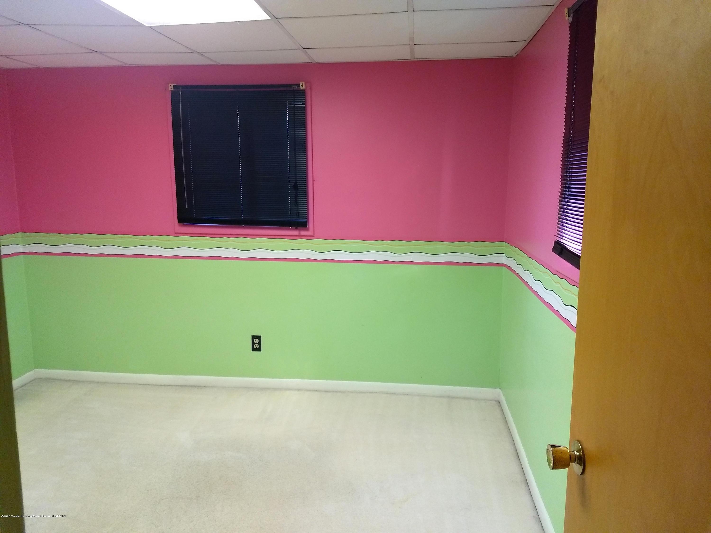 865 Marshall Rd - Bedroom - 17