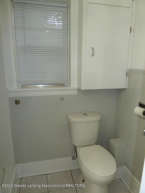1617 Walsh St - Bathroom - 16