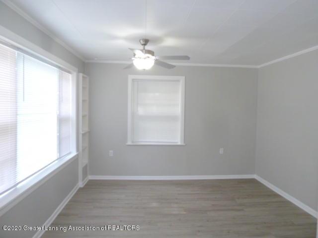 1617 Walsh St - Living Room - 10