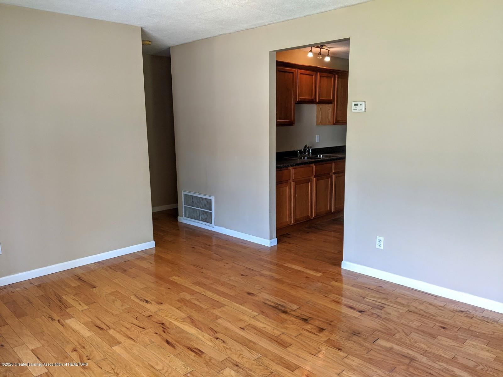 5030 Tenny St - Living Room - 7