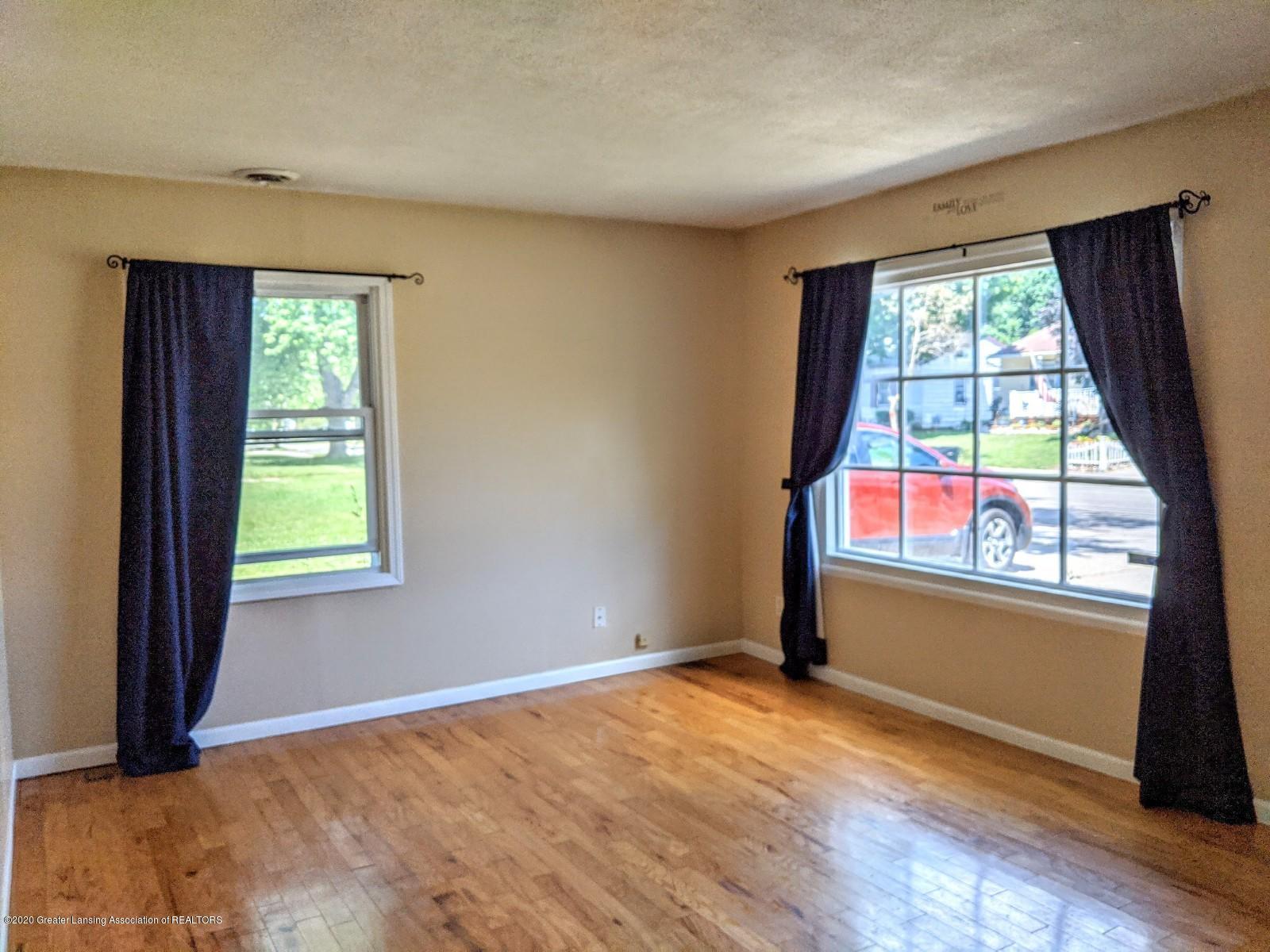 5030 Tenny St - Living Room - 6
