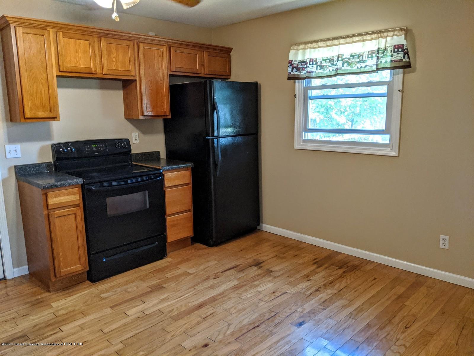 5030 Tenny St - Kitchen - 8