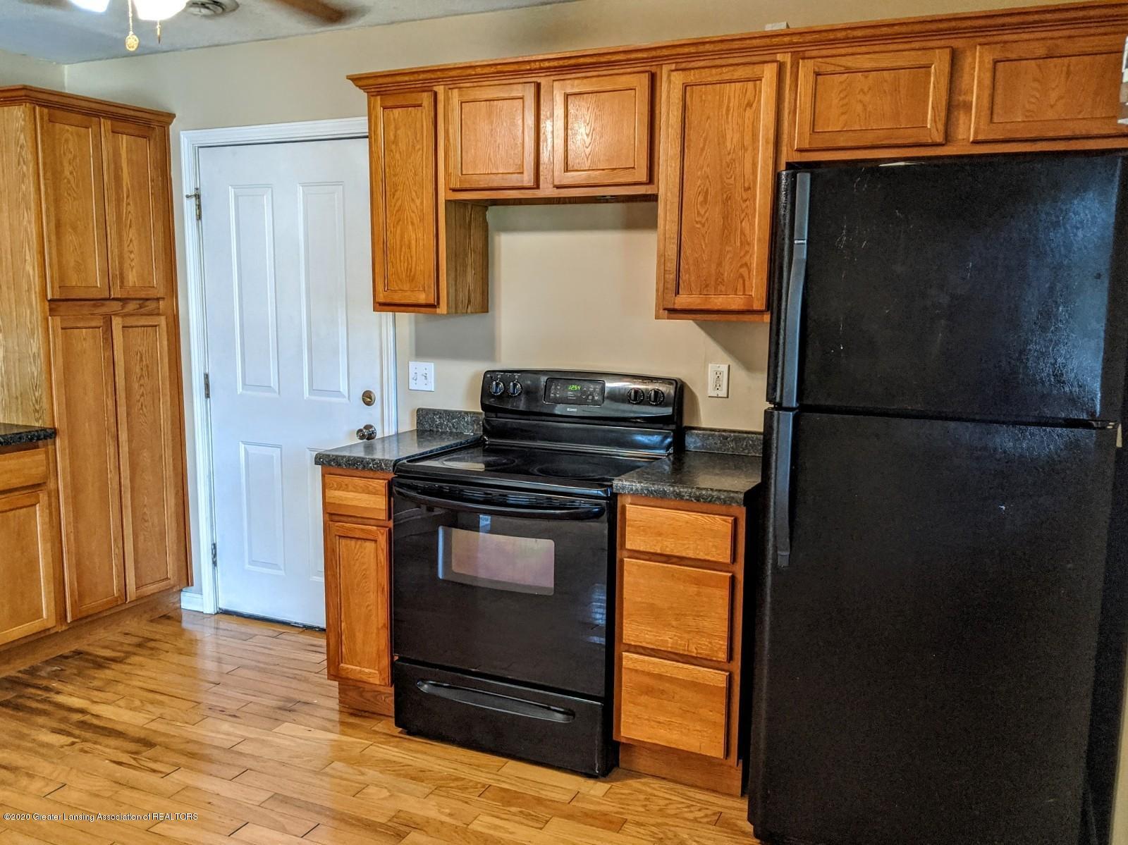5030 Tenny St - Kitchen - 9