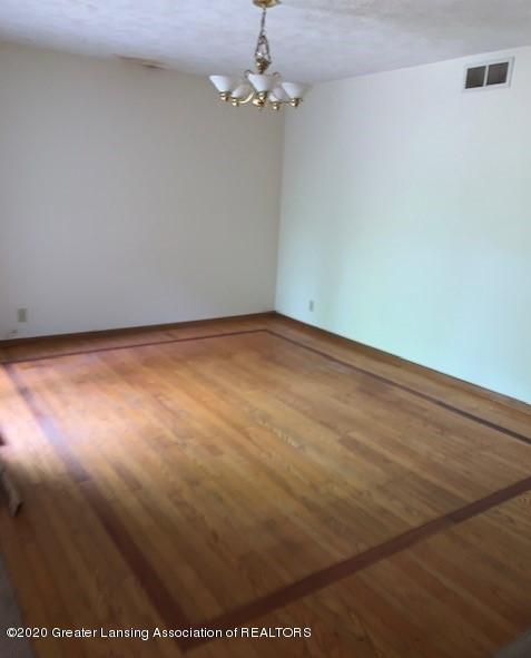 9707 State Rd - DINING ROOM - 7