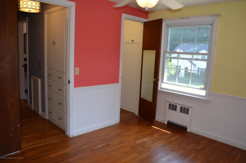 615 Bailey St - Bed 3 Hardwood - 32