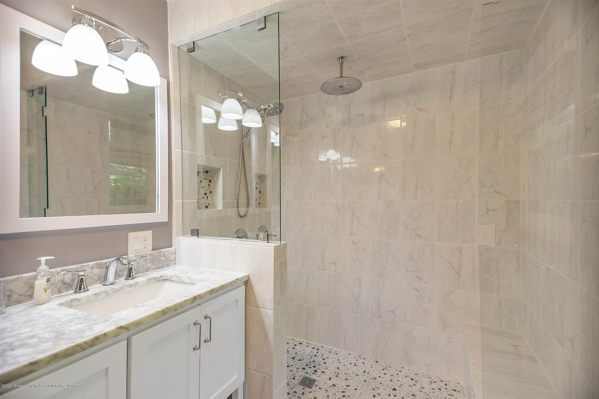 4445 W Britton Rd - UPPER LEVEL Master Bath - 16