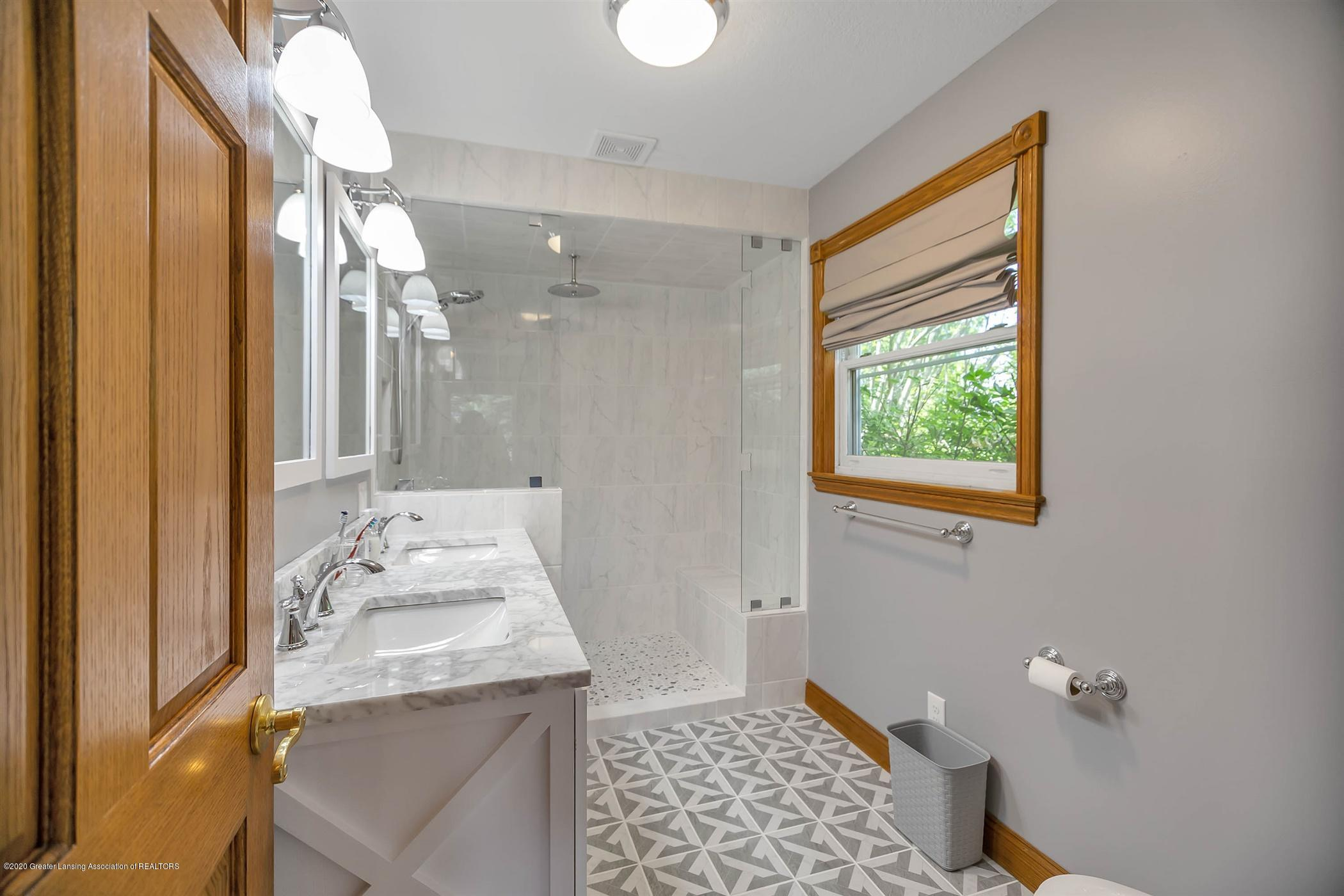 4445 W Britton Rd - UPPER LEVEL Master Bath - 17