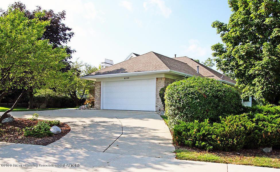 6239 W Golfridge Dr 39 - Attached garage - 4