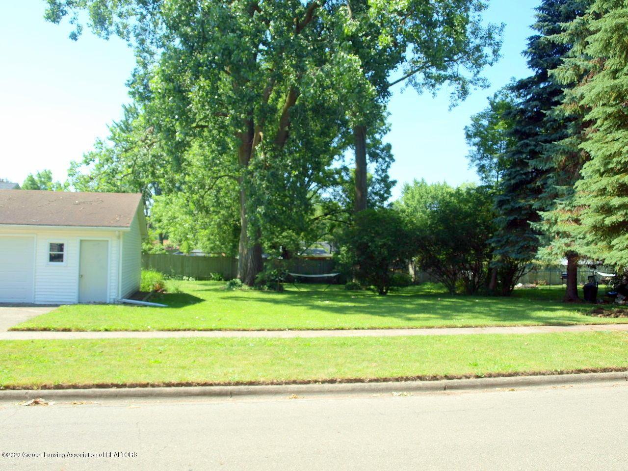 300 S Swegles St - back yard - 24