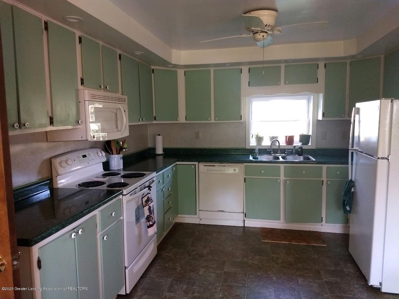 865 Marshall Rd - Kitchen - 11