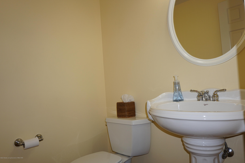 13260 Watercrest Dr - Half Bath Main floor - 12