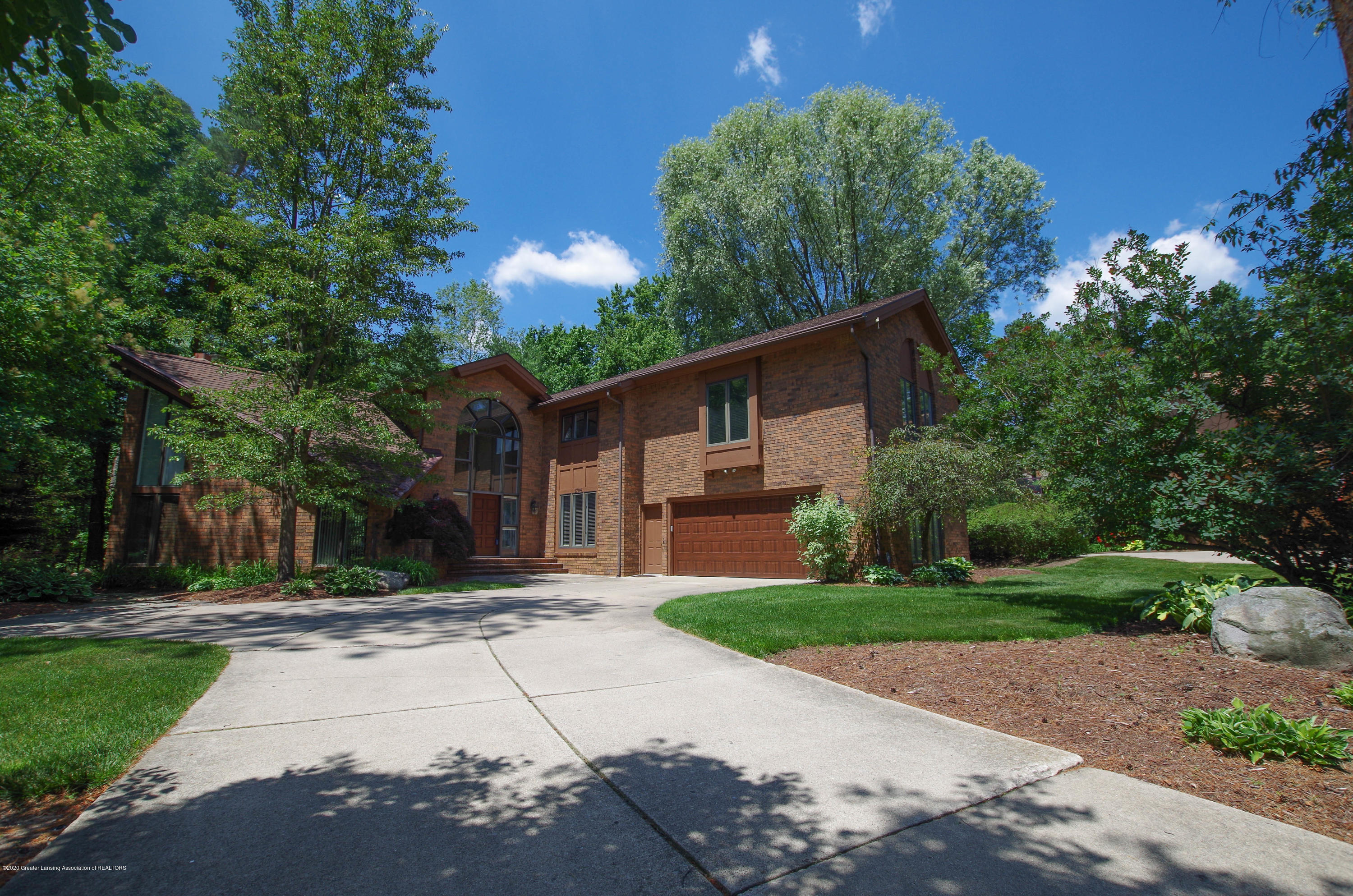 1794 Sashabaw Dr - Front View - 2