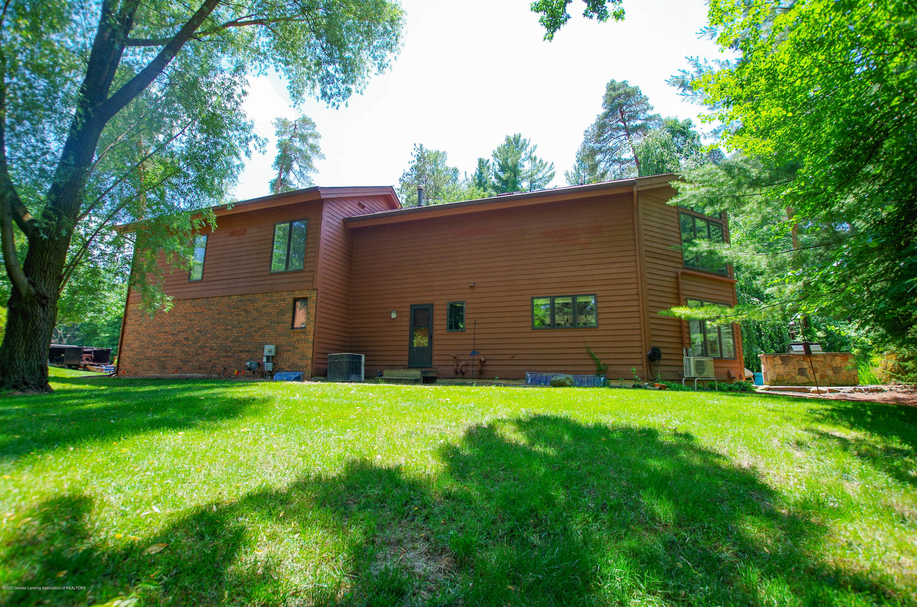1794 Sashabaw Dr - Side View - 65