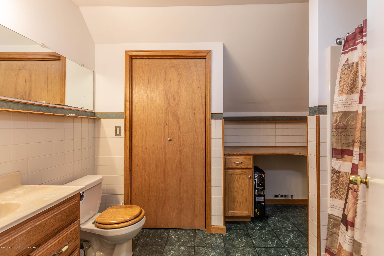 10415 Babcock Rd - Bathroom1 - 29