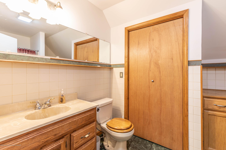 10415 Babcock Rd - Bathroom1b - 30