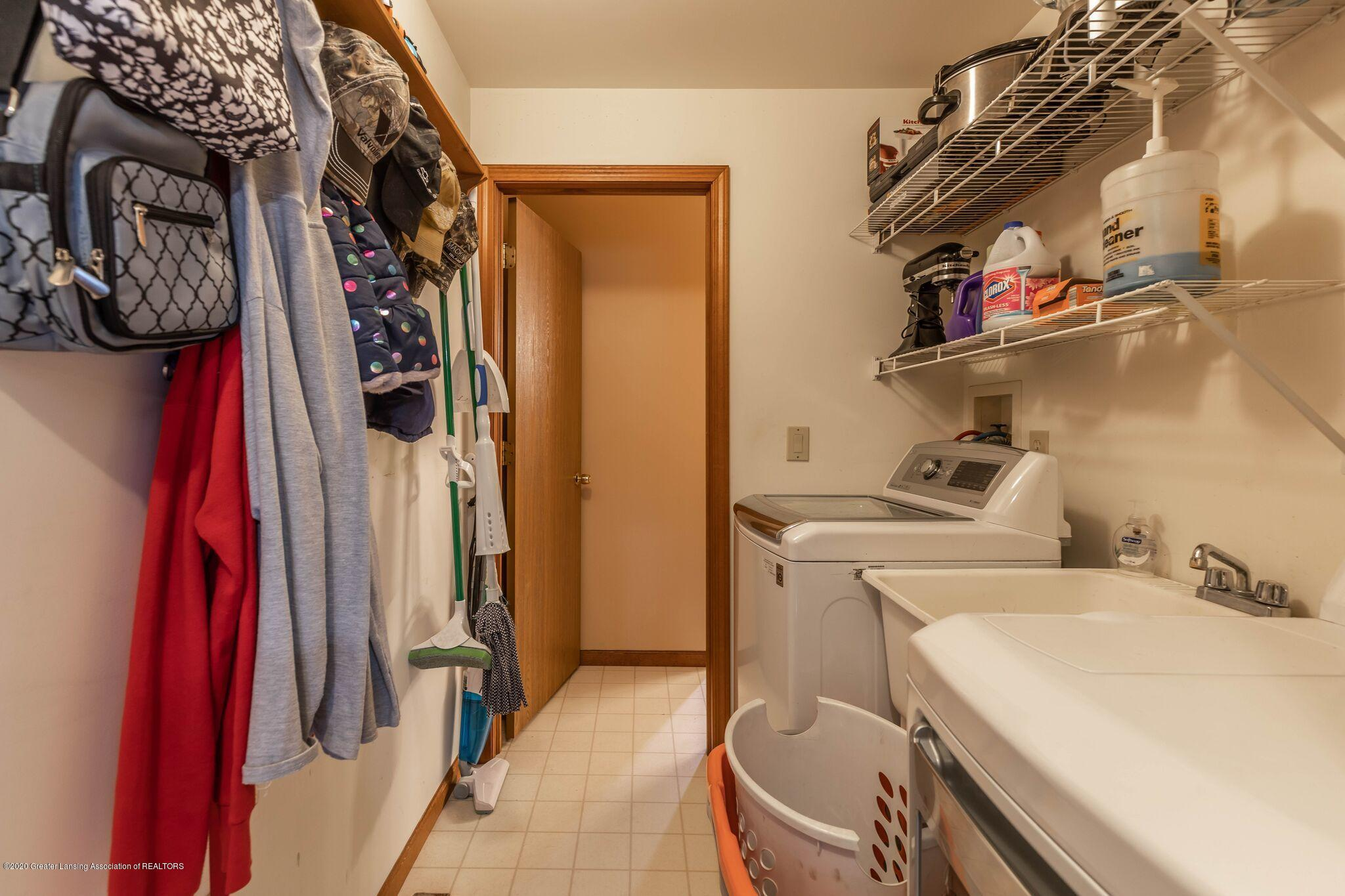 10415 Babcock Rd - Laundry - 25