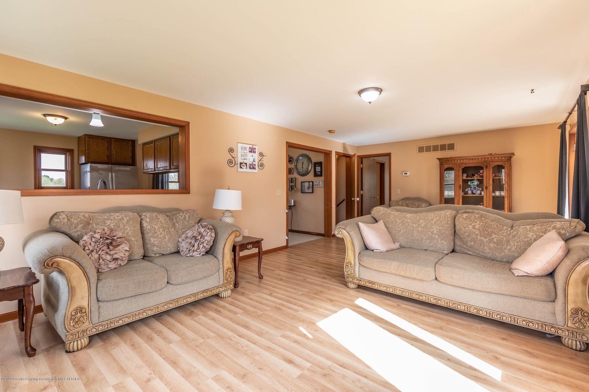 10415 Babcock Rd - Living Room3 - 11