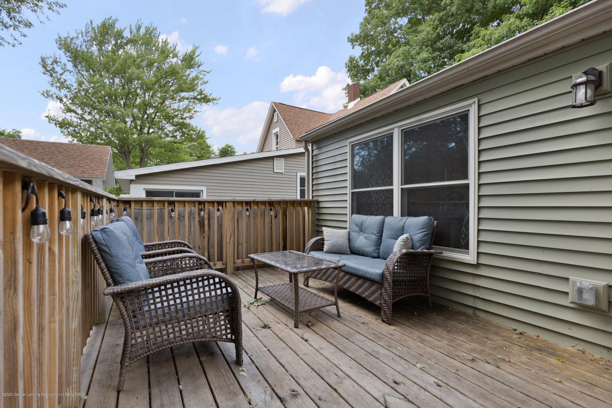 428 Johnson St - back deck - 25