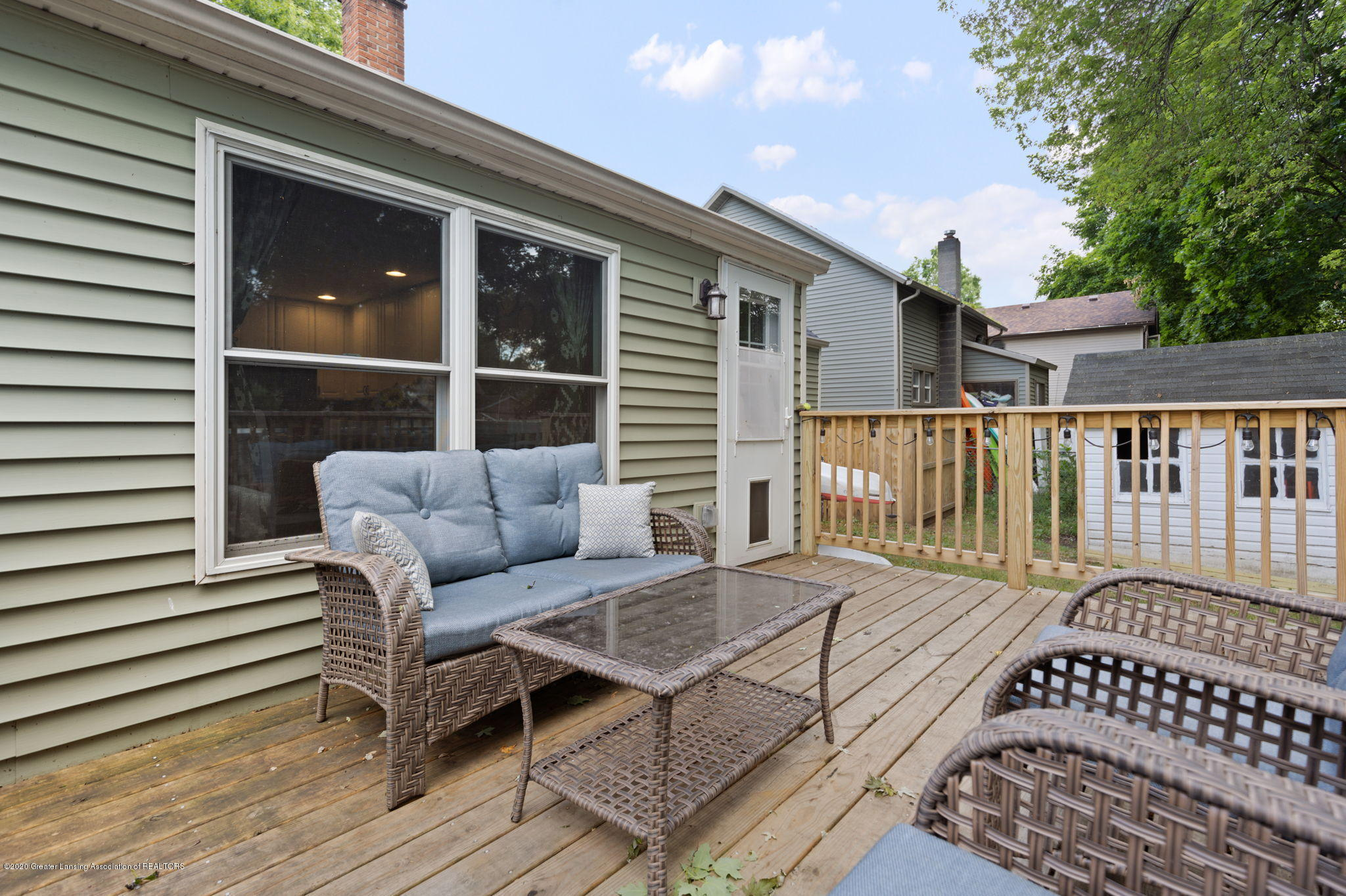 428 Johnson St - back deck - 26