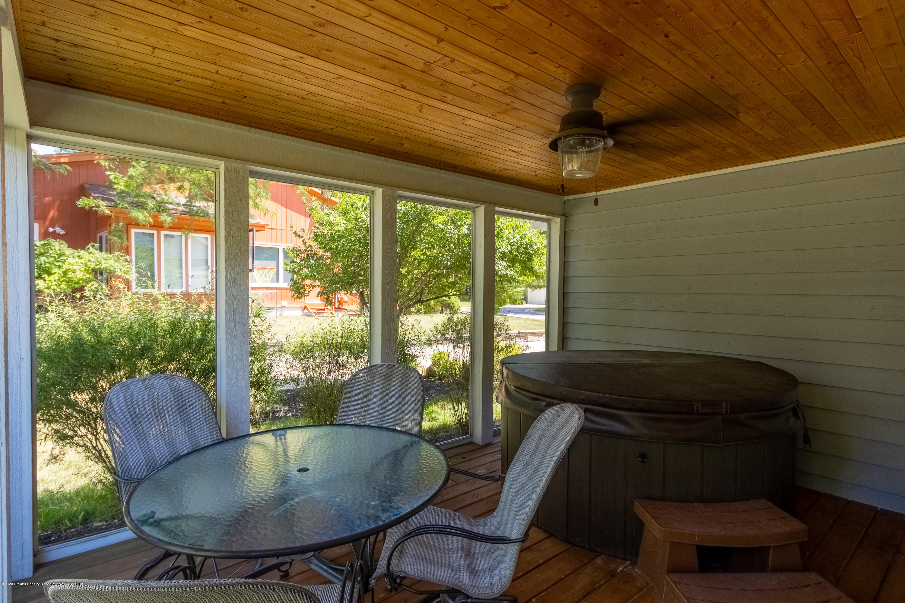 4194 Indian Glen Dr - Screened Porch - 12