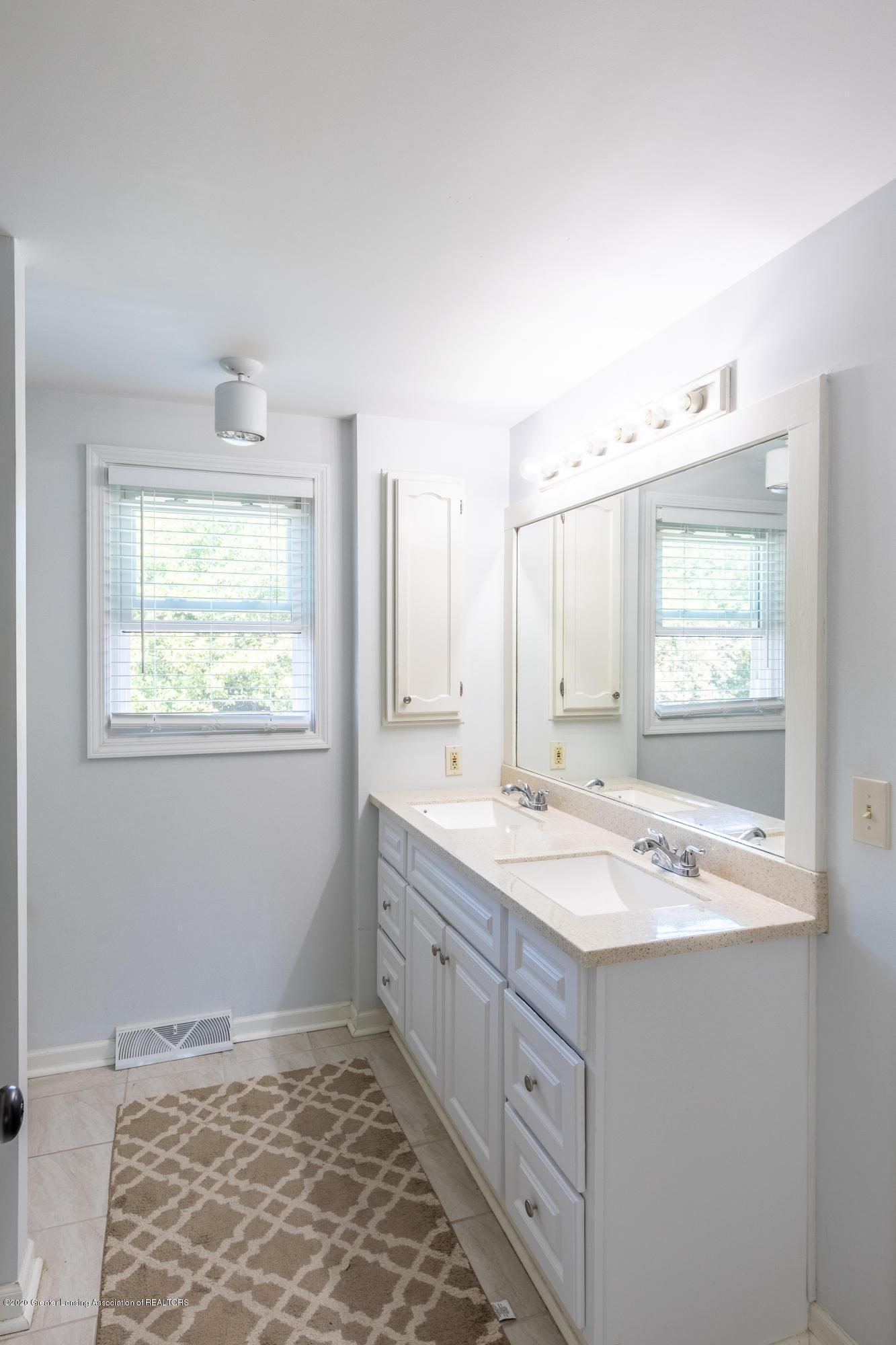 4194 Indian Glen Dr - Master Bathroom - 38