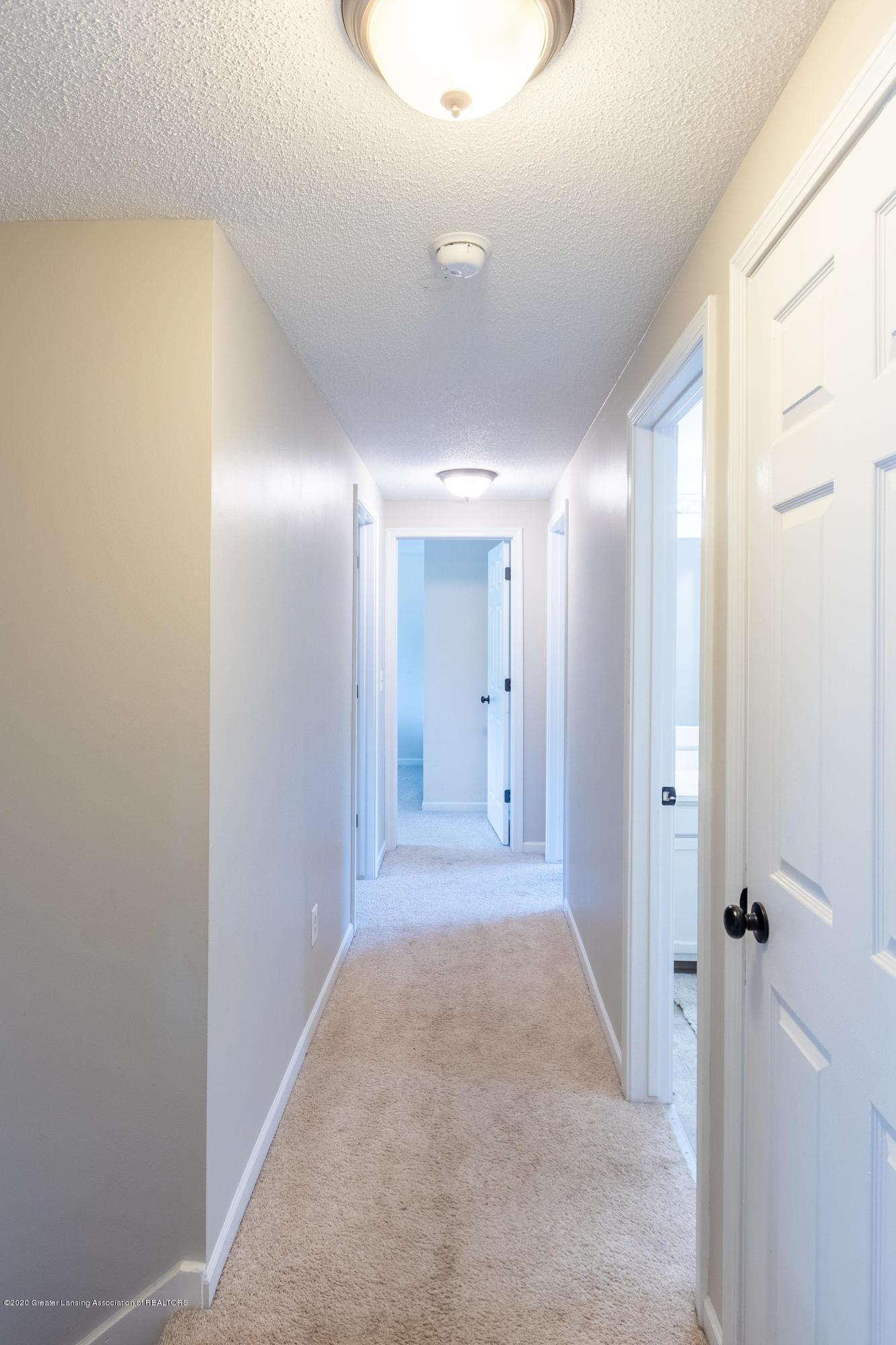 4194 Indian Glen Dr - Hallway - 40