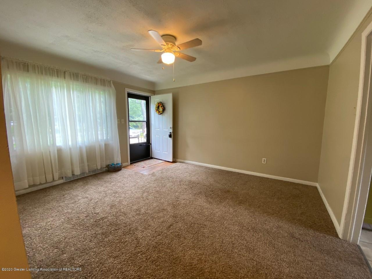 2847 Gramer Rd - Living Room - 8