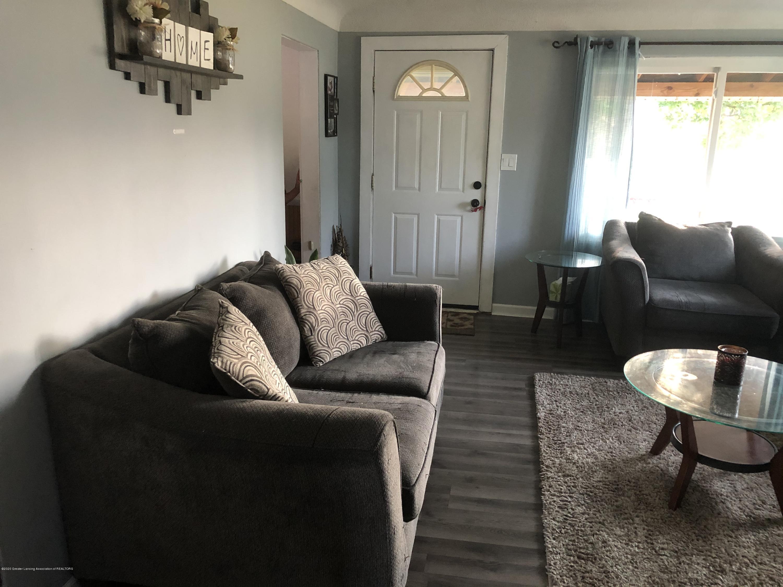 901 S Chipman St - Living Room - 3