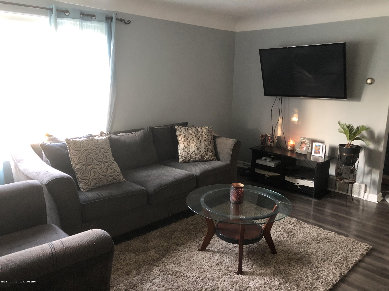 901 S Chipman St - Living Room - 6