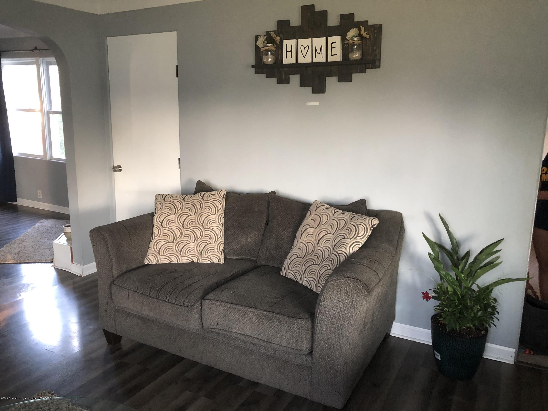 901 S Chipman St - Living Room - 7