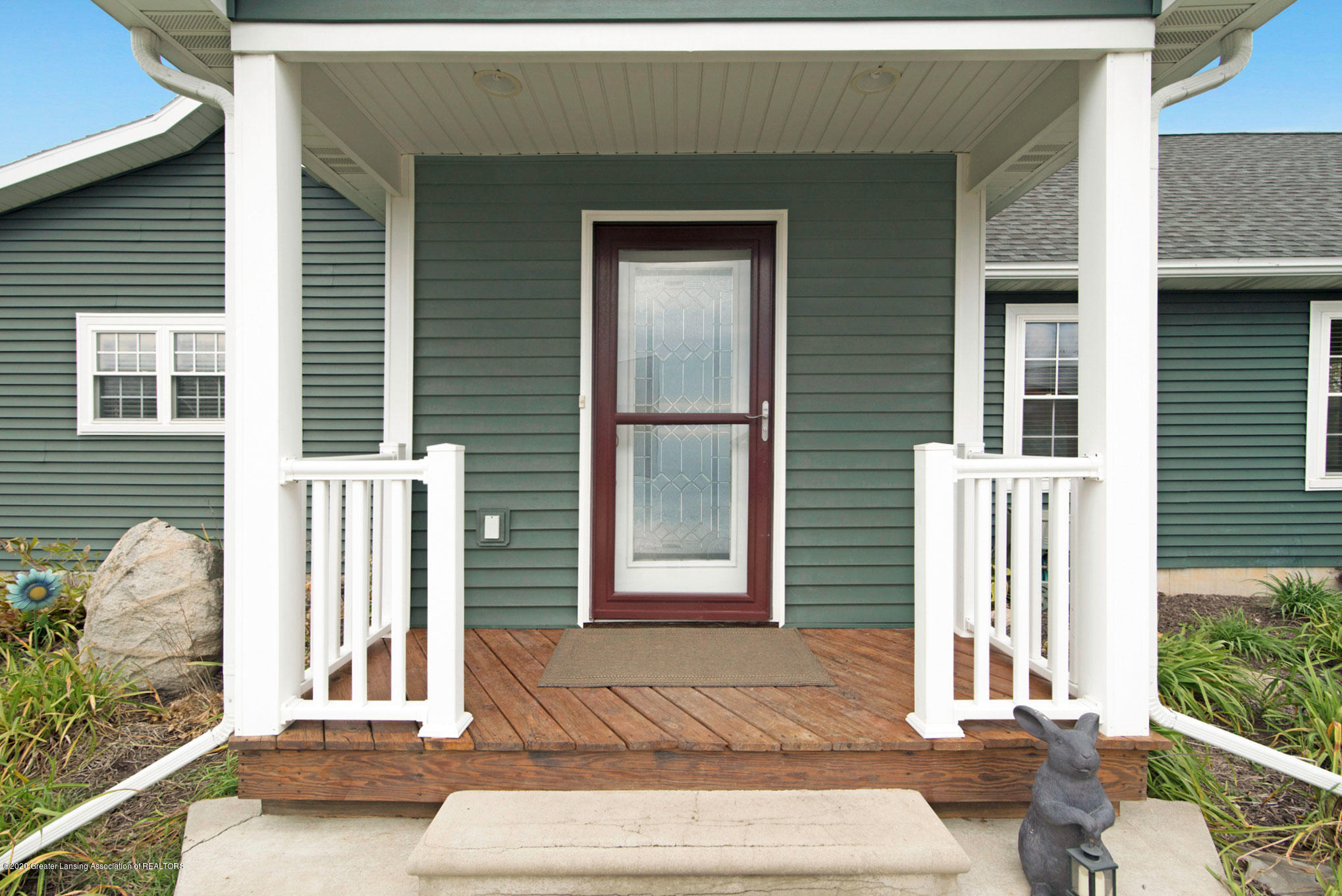 2055 Tuttle Rd - 3 Front - 4