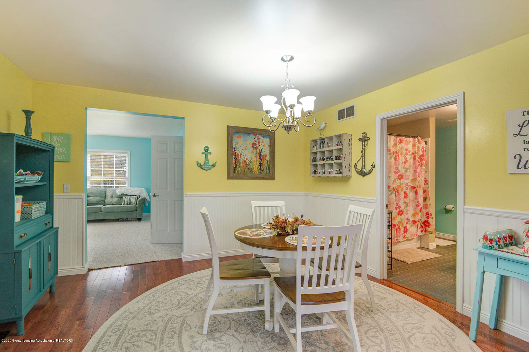 2055 Tuttle Rd - Dining Room - 21
