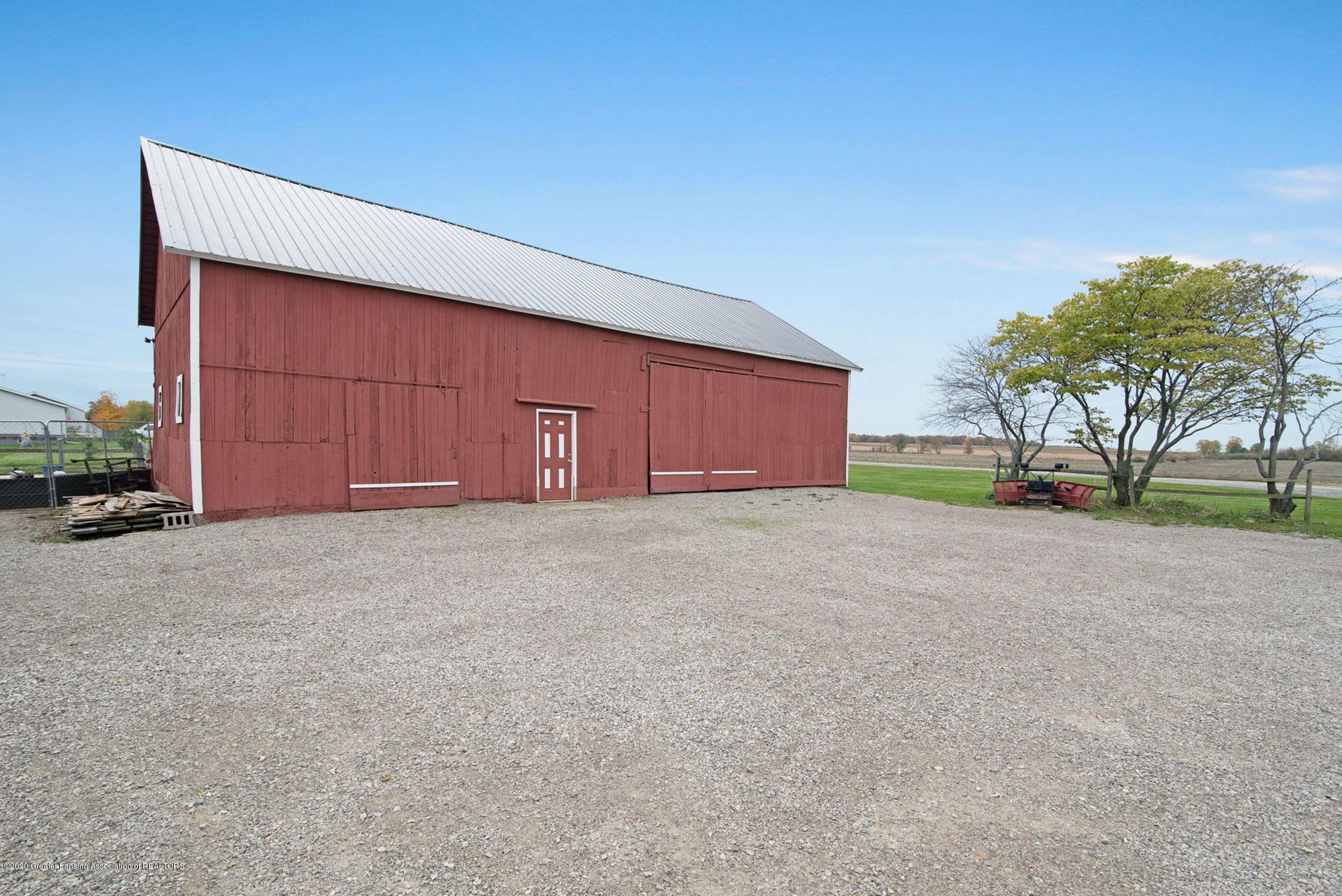2055 Tuttle Rd - Exterior Barn - 25