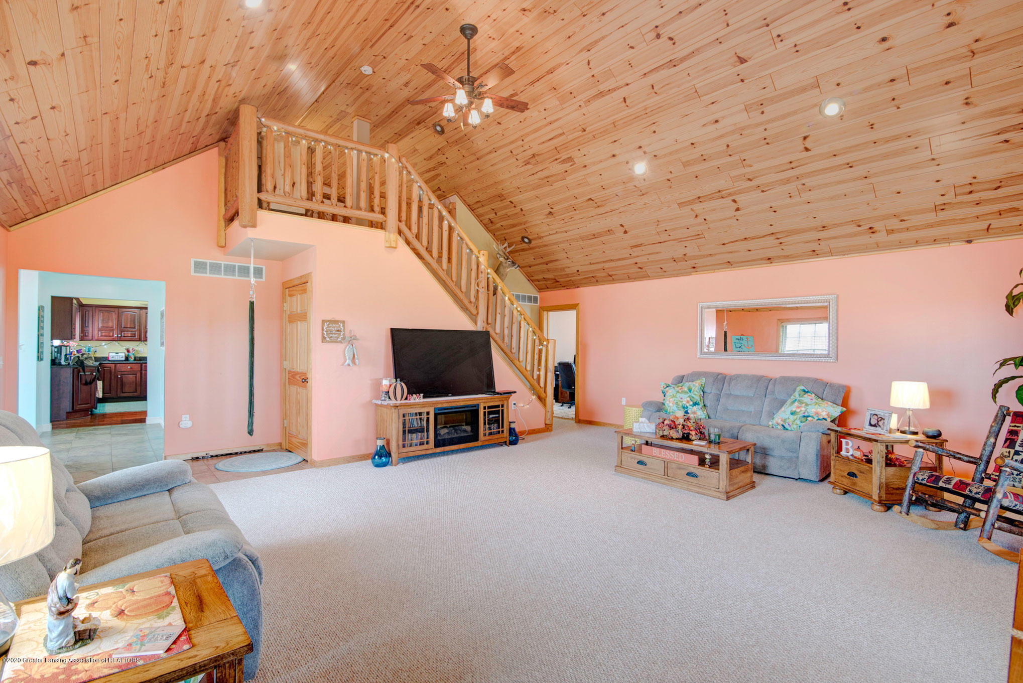 2055 Tuttle Rd - Great Room Stairs - 28