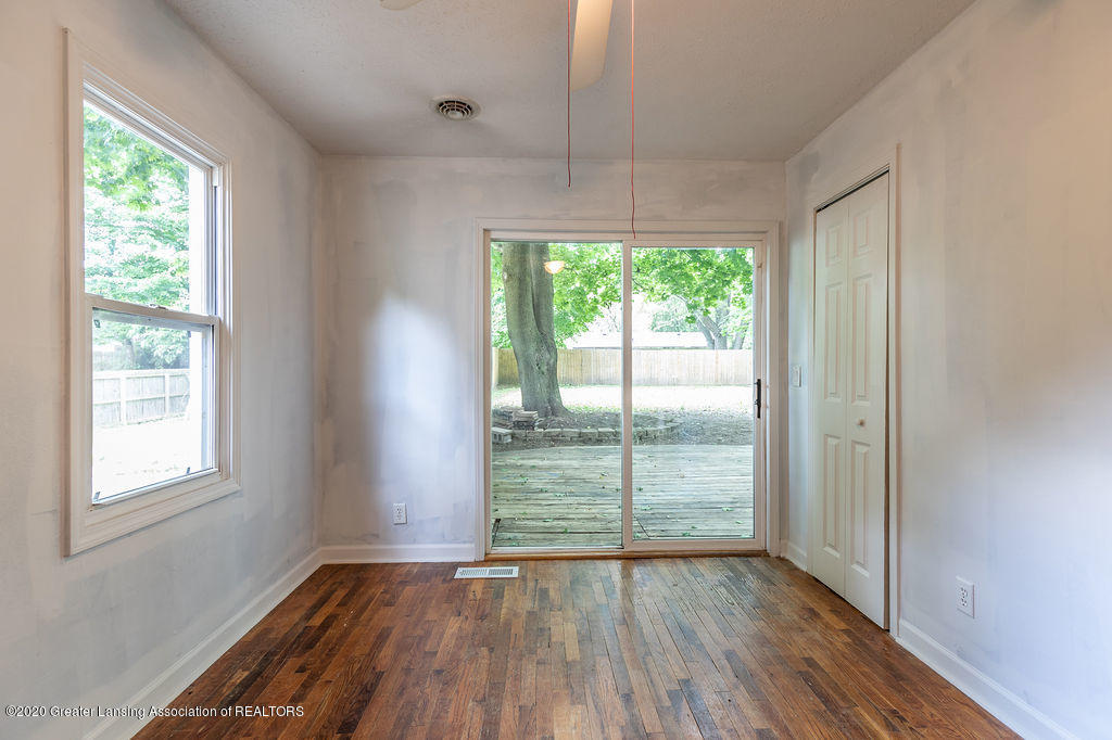 1725 Robertson Ave - Bed 1 - 12