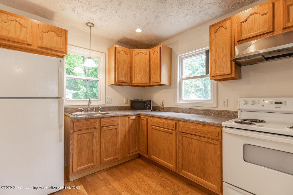 1725 Robertson Ave - Kitchen - 8
