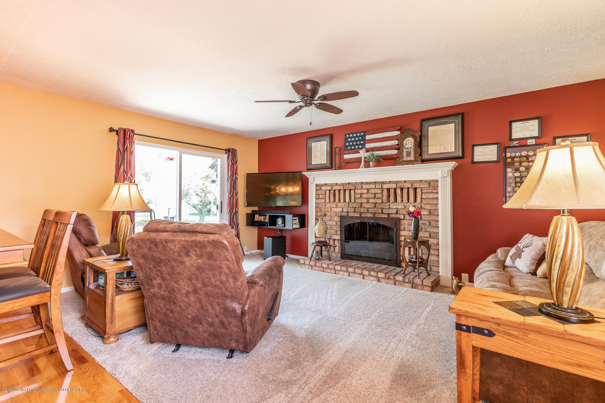 11455 E River Dr - eriverliving(1of1) - 7