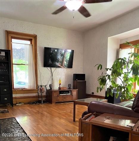 627 N Sheldon St - Living Room - 3