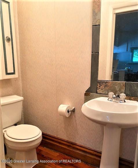 627 N Sheldon St - Half Bathroom - 7